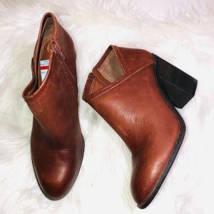 Lucky Brand Heeled Booties 9.5